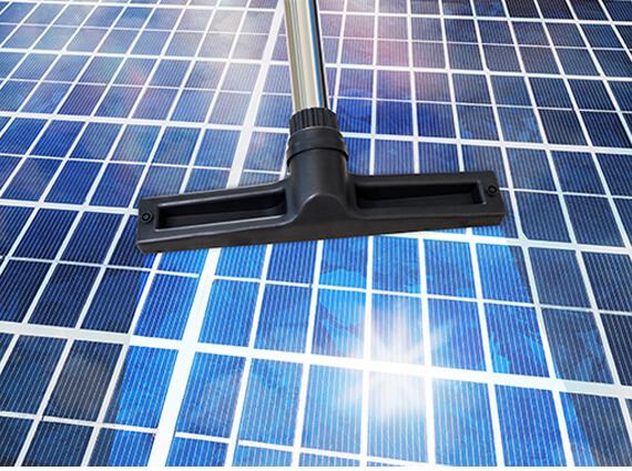 Comment nettoyer un panneau solaire ?